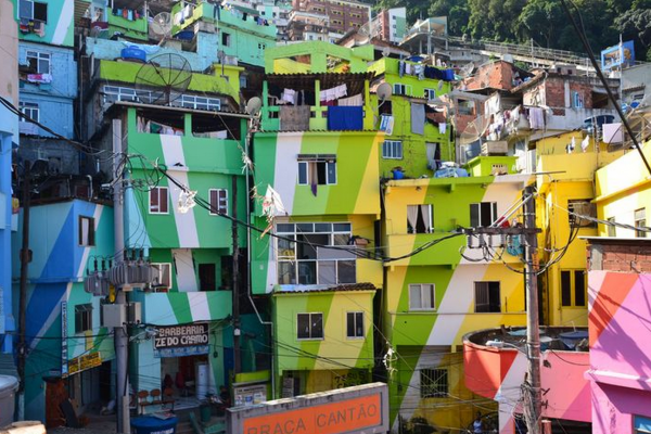 Image for article 'Leis das favelas'